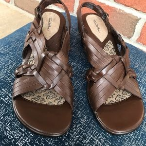 Brown Leather Strappy sandals Criss Cross Buckles